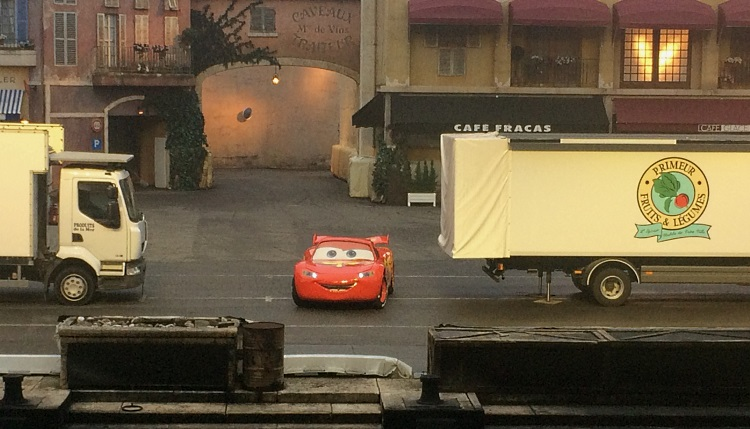 spectacle-cascades-auto-disney-cars