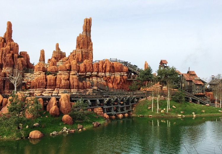 train-de-la-mine-disney