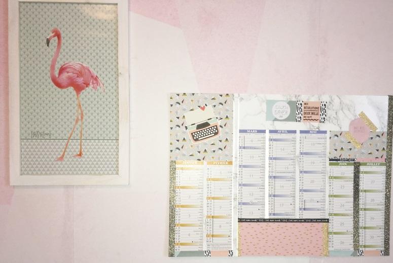 calendrier et flamingo