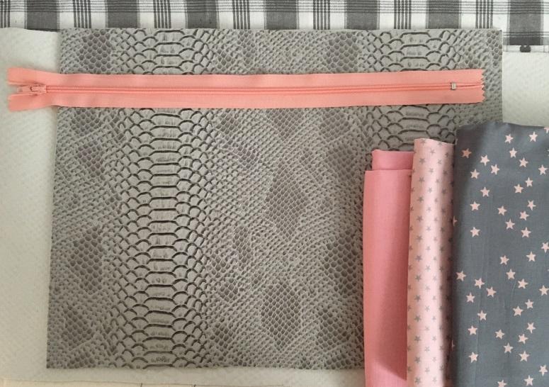pochettes simili gris matériel