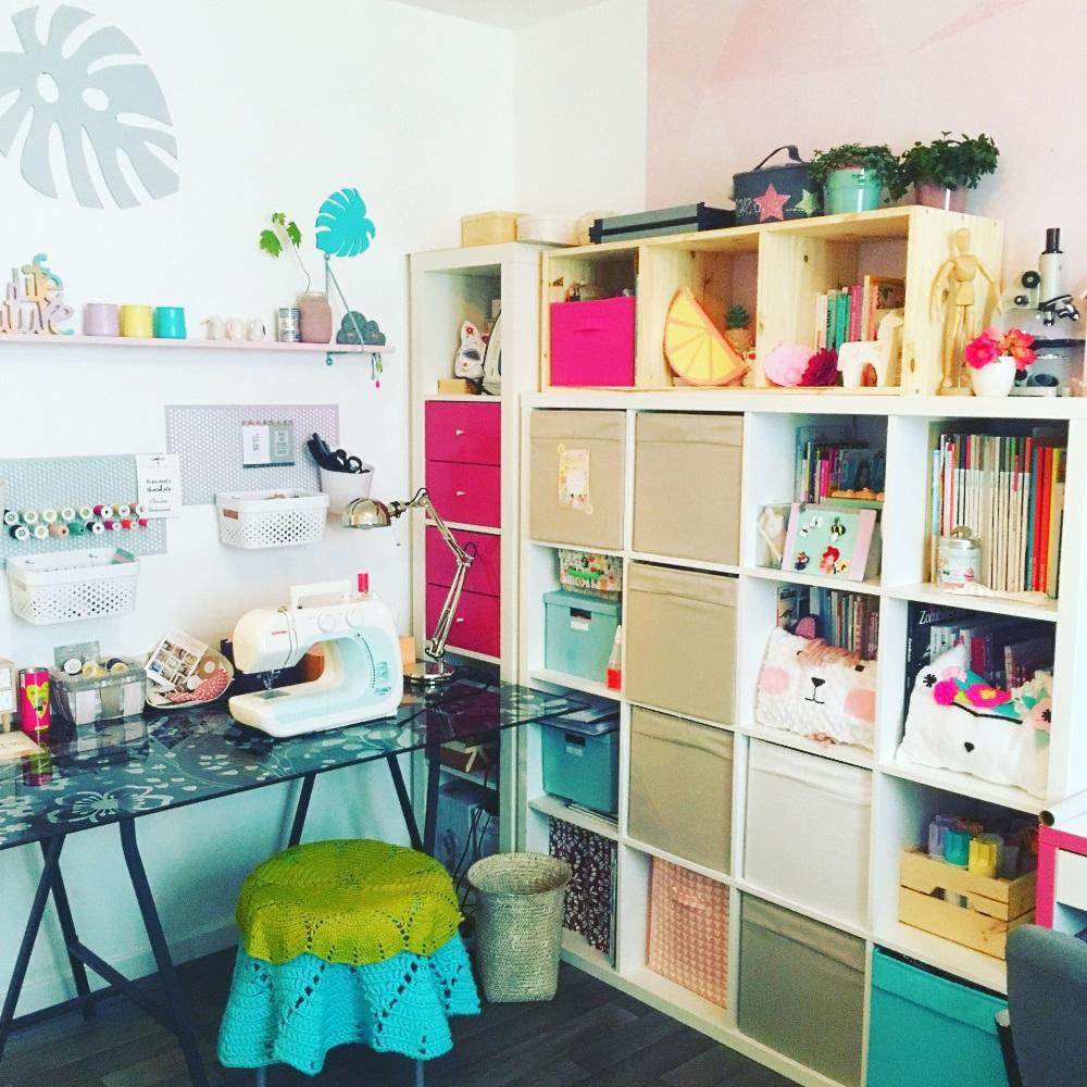 bureau tropical pastel 2