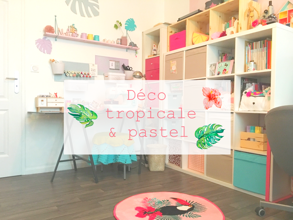 bureau tropical pastel