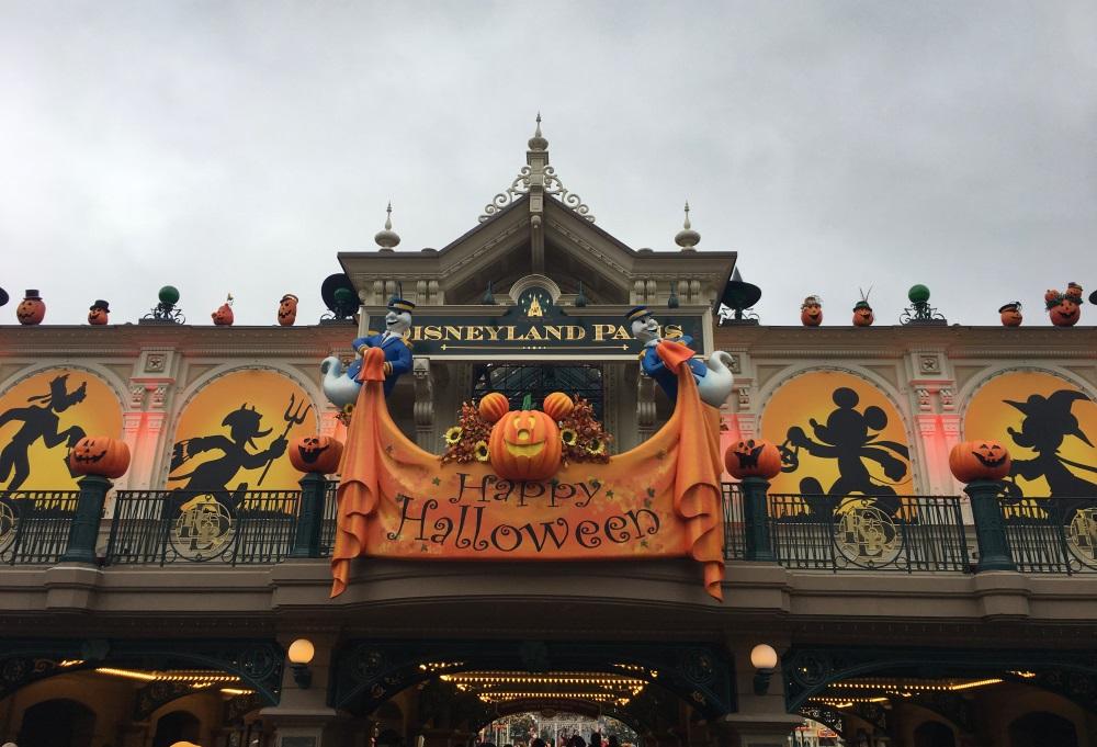 Halloween à Disneyland, la magie au cours des saisons